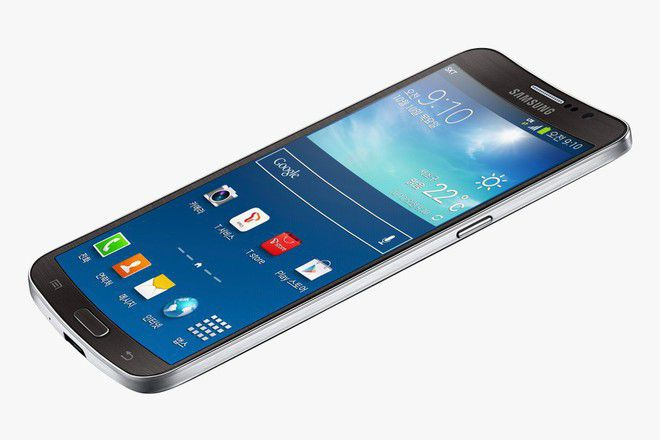 Galaxy round parviyat smartfon s izvit displey
