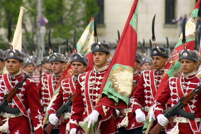 Parad na balgarskata armiya za 6 may